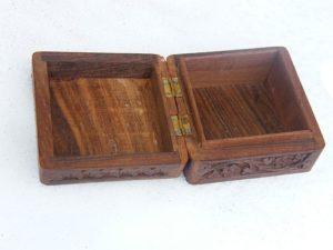 Einfache Schmuckkassette aus Holz